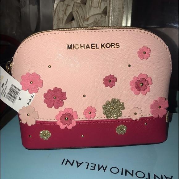 Michael Kors Handbags - Michael Kors makeup bag
